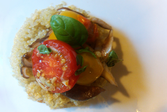 quinoa and tomato salad picture - Dresses & Appetizers